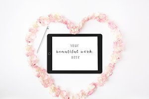 iPad Pro Mockup Heart Flowers