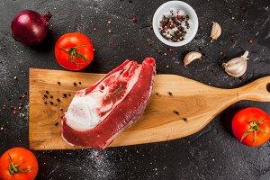 Raw beef brisket