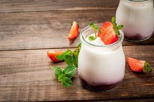 Yogurt with strawberry and mint