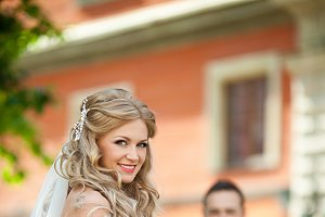 Stunning bride with gorgeous curls