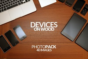 Devices on Wood - PhotoPack