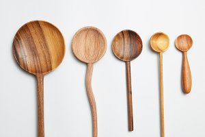Natural wood texture spoons with difference color.