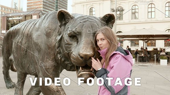 Girl With The Tiger In Oslo