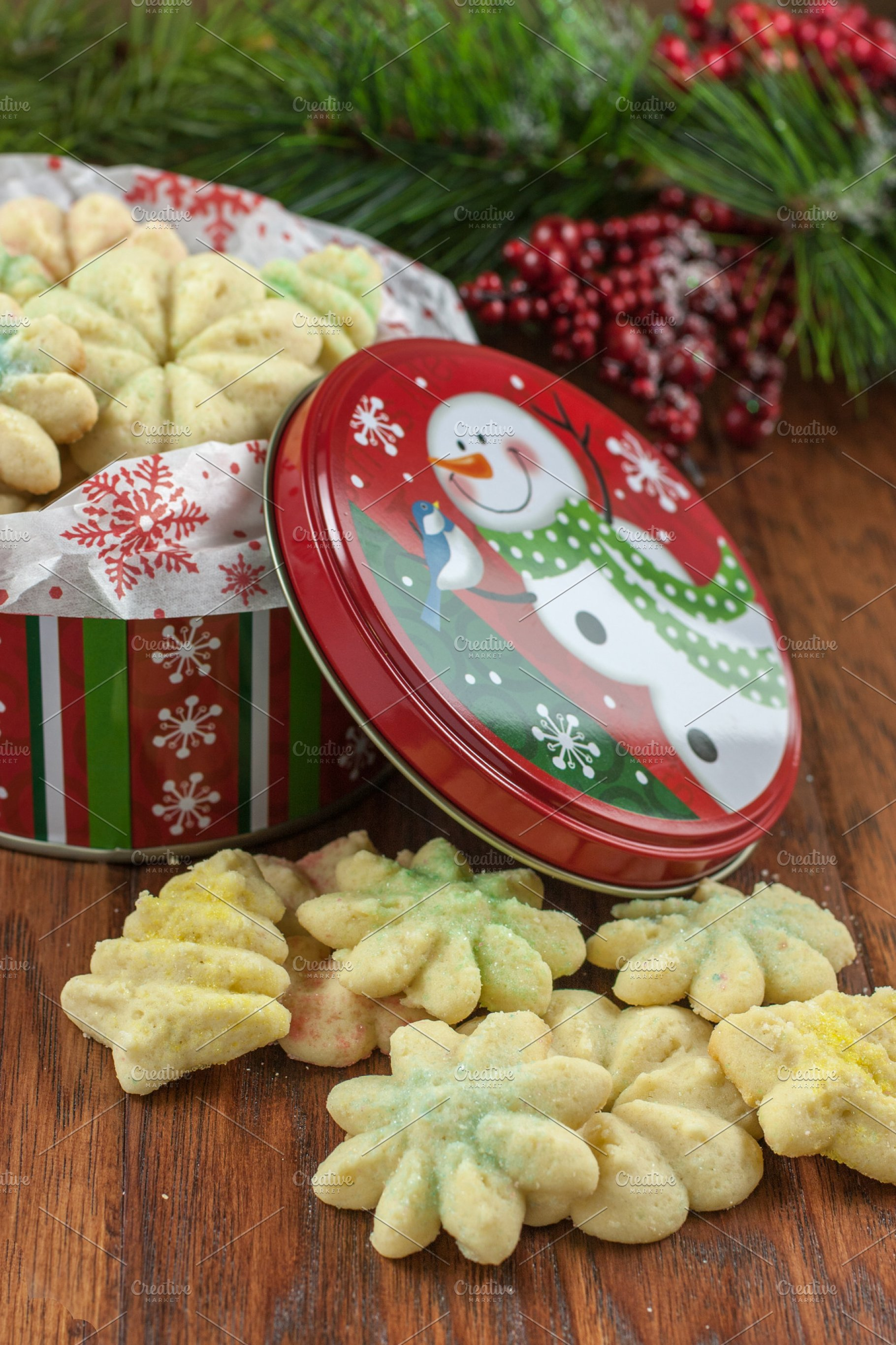 Christmas Tin Cookies.Christmas Cookies In A Decorated Tin