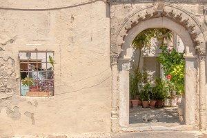 Portal / greek house