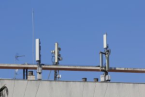 Mobile antennas