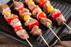 Turkey meat and veggies skewers