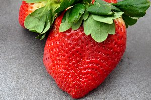 strawberry giant size