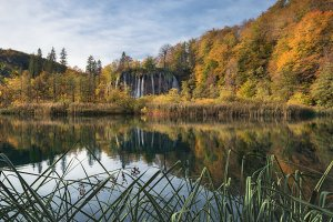 Galovac waterfall autumn