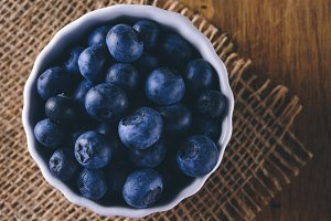 Bowl with blueberries, closeup