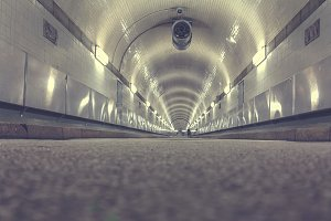 Old Elbe tunnel