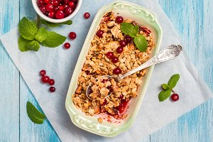 granola with cranberries and pears