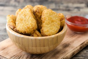 Fried chicken nuggets i