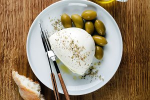 Mozzarella Cheese and Green Olives