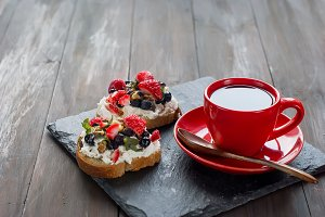 Sandwiches with ricotta and coffee