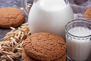 Oatmeal cookies with milk.