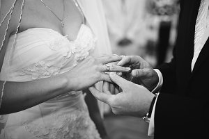 Finger with wedding ring