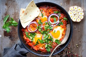 Shakshuka with pita bread