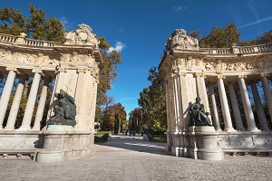 monument in Retiro park, Madrid
