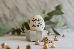 egg setting happy easter message