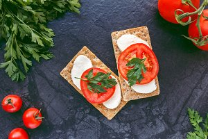Mozzarella and tomatoes bread