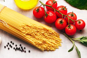 Spaghetti with ingredients