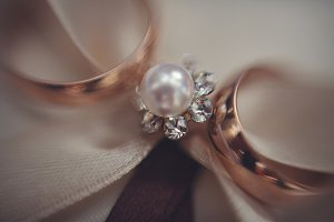 Blurred picture of wedding rings