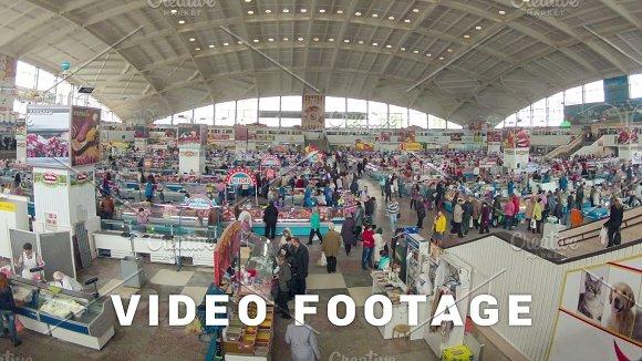 Food Market People Motion Slider Zooming Time-lapse Shot
