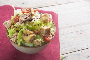 Salad with tofu fried