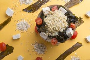 Quinoa bowl with wakame and tofu