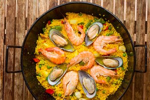 Seafood Paella in black pan