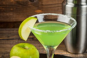 Alcohol cocktail Appletini