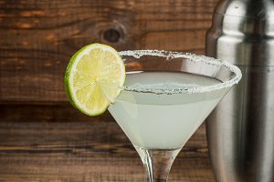 Alcohol cocktail lime margarita