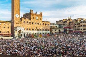 Piazza del Campo square in Siena