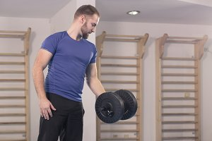 one man exercise dumbbell