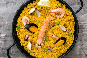 Traditional spanish seafood paella