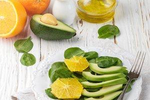 avocado and spinach salad