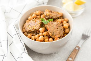 chickpeas with meat