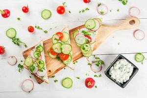 Spring  sandwiches with vegetables
