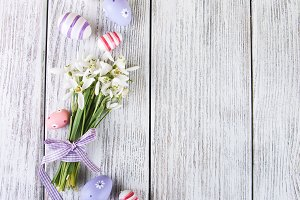 Snowdrops and easter eggs