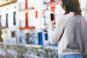 Girl traveler making photo