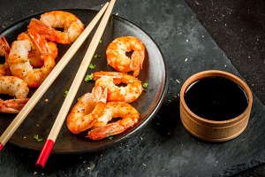 Grilled shrimp with soy sauce