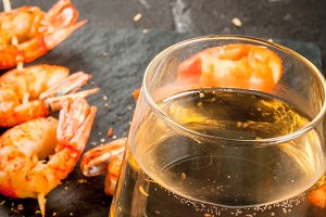 Grilled shrimp with white wine