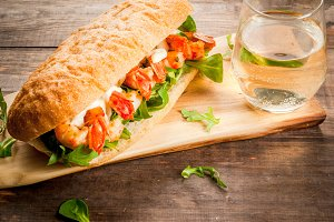 Sandwich with grilled shrimps