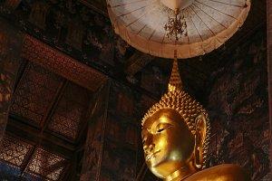 Golden statue, Image of Buddha