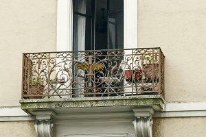 Openwork balcony