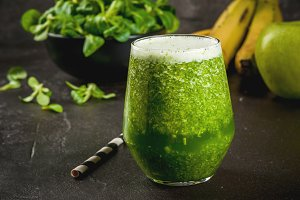 Vegetable and fruit green smoothie