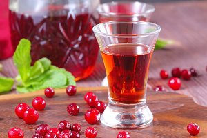 Alcohol cranberry drink