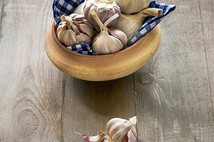 garlic with rosemary