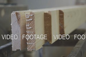Calibration wooden pieces on the production of laminated veneer lumber